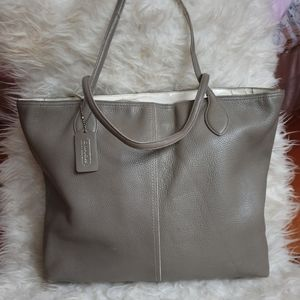 Coach putty/taupe XL Pebbled Leather tote